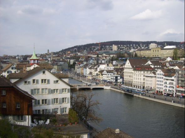 aaronhoos_businesswriter_zurich2