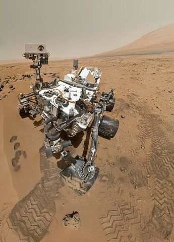PIA16239_High-Resolution_Self-Portrait_by_Curiosity_Rover_Arm_Camera