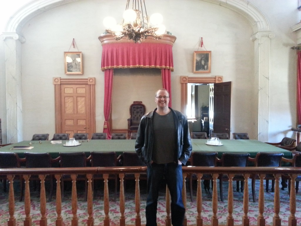 Aaron_Hoos_in_PEI_at_the_confederation_room
