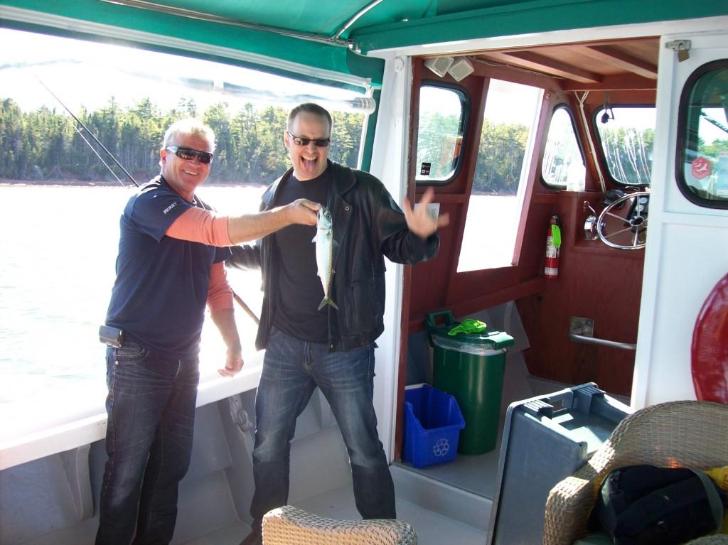 Aaron_Hoos_in_PEI_fishing_mackerel